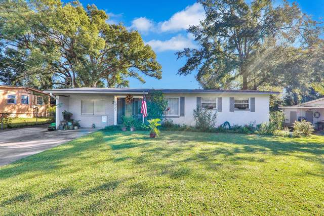 1921 Delaroche Dr E, Jacksonville, FL 32210 (MLS #1085107) :: The Perfect Place Team