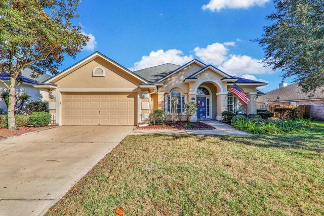 979 Drakewood Dr, Orange Park, FL 32065 (MLS #1085150) :: The Volen Group, Keller Williams Luxury International