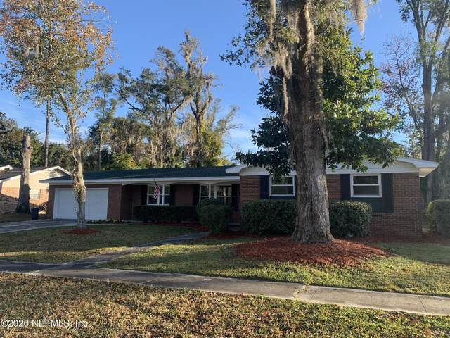2781 Greenridge Rd, Orange Park, FL 32073 (MLS #1087605) :: The Volen Group, Keller Williams Luxury International