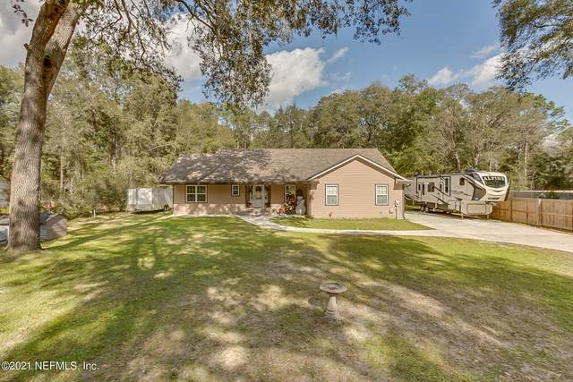 888 Branscomb Rd, GREEN COVE SPRINGS, FL 32043 (MLS #1089142) :: The Every Corner Team