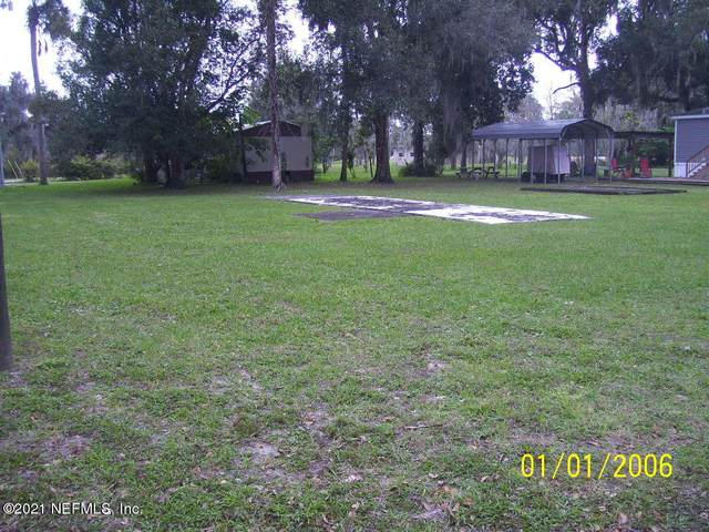 117 2ND Ave, Satsuma, FL 32189 (MLS #1089634) :: 97Park