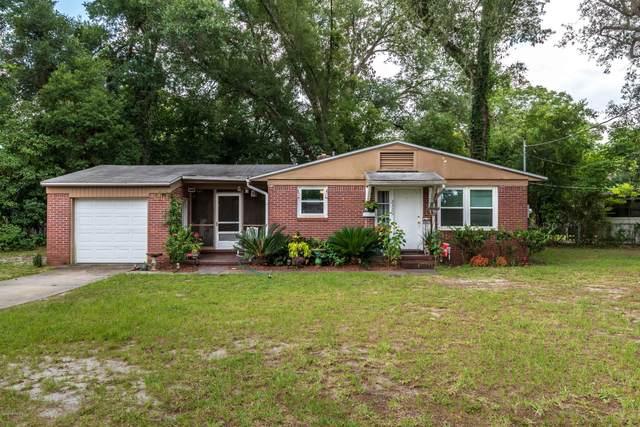 2320 Cedar Shores Cir, Jacksonville, FL 32210 (MLS #1089833) :: CrossView Realty