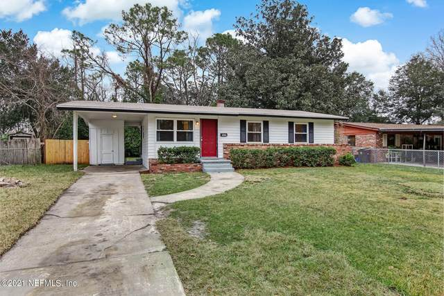 7233 Karenita Dr, Jacksonville, FL 32210 (MLS #1090295) :: The Newcomer Group
