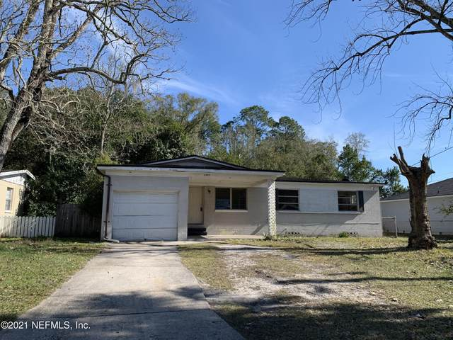 5555 Moret Dr E, Jacksonville, FL 32244 (MLS #1091211) :: The Impact Group with Momentum Realty