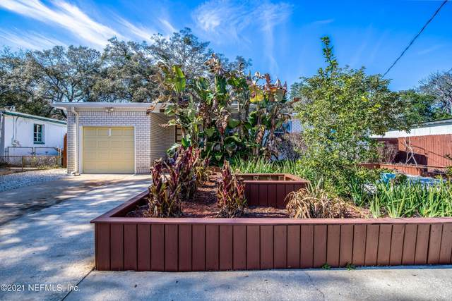 2410 Pine Summit Dr, Jacksonville, FL 32211 (MLS #1091300) :: The Every Corner Team
