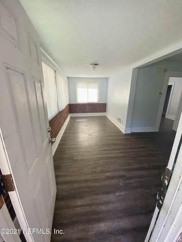 9604 Woodland Ave, Jacksonville, FL 32208 (MLS #1092821) :: The Coastal Home Group