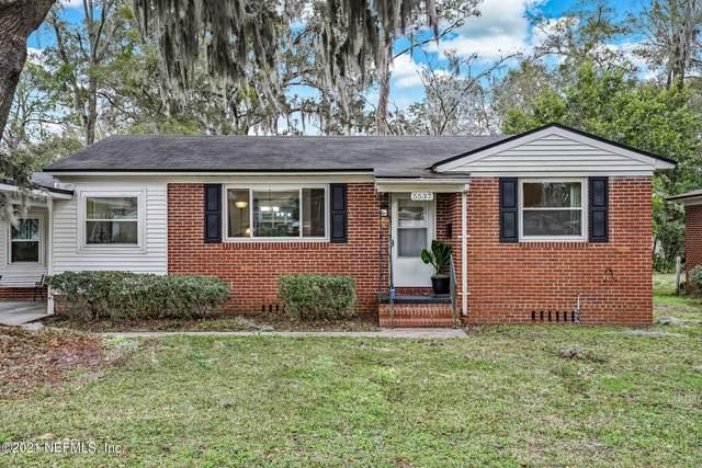 5537 Duke Rd, Jacksonville, FL 32207 (MLS #1093122) :: The Hanley Home Team