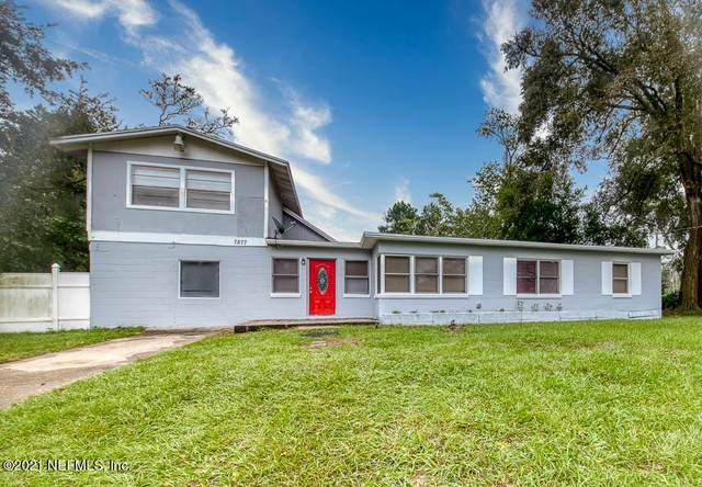 7877 Caxton Cir W, Jacksonville, FL 32208 (MLS #1093535) :: The Newcomer Group