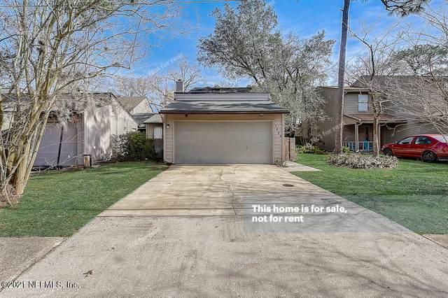 1025 Lee Rd, Jacksonville, FL 32225 (MLS #1094059) :: The Coastal Home Group