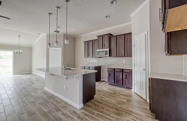 6111 Patriots Landing Ln, Jacksonville, FL 32244 (MLS #1094240) :: EXIT Real Estate Gallery