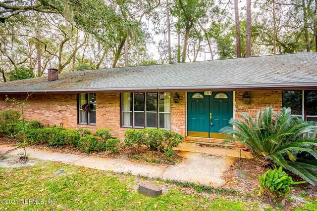 3024 Shady Dr, Jacksonville, FL 32257 (MLS #1094537) :: The Coastal Home Group