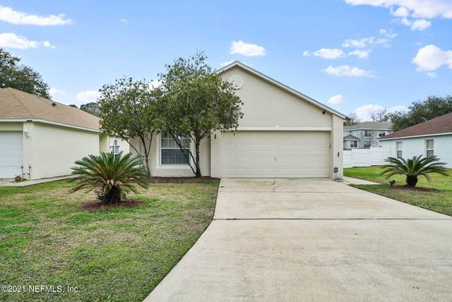 8250 Oak Crossing Dr W, Jacksonville, FL 32244 (MLS #1095508) :: The Coastal Home Group