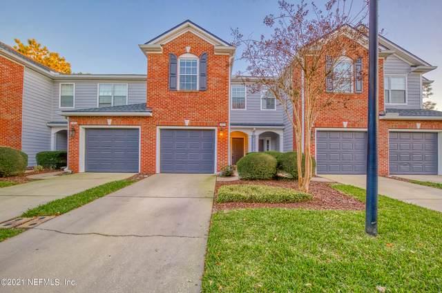 13424 Stone Pond Dr, Jacksonville, FL 32224 (MLS #1095973) :: The Coastal Home Group