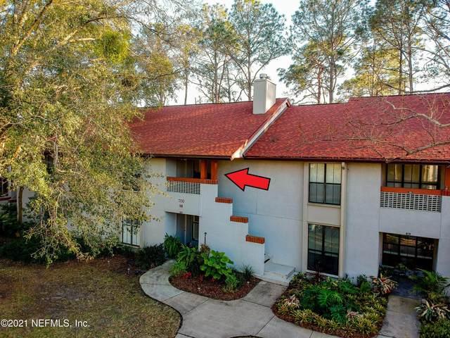 704 Wood Hill Dr #704, Jacksonville, FL 32256 (MLS #1097224) :: The Coastal Home Group