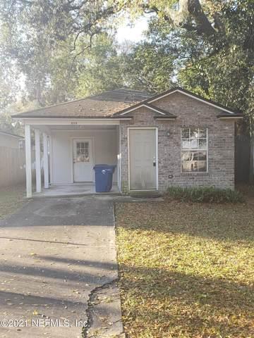 8996 Hare Ave, Jacksonville, FL 32211 (MLS #1097455) :: Military Realty