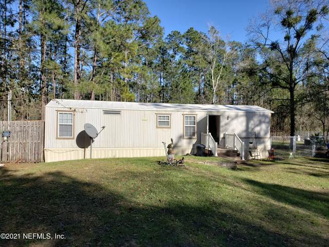 104 Moore Ave, Interlachen, FL 32148 (MLS #1097523) :: Military Realty