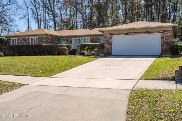 8332 Grampell Dr, Jacksonville, FL 32221 (MLS #1097591) :: The DJ & Lindsey Team