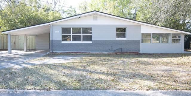 7720 Lazeau Dr, Jacksonville, FL 32211 (MLS #1098398) :: The Hanley Home Team