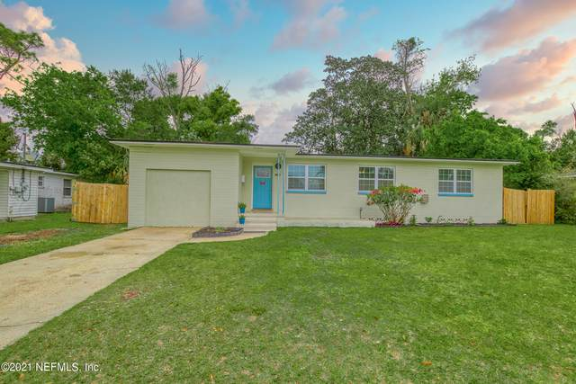 2927 Holly Point Dr, Jacksonville, FL 32277 (MLS #1100975) :: CrossView Realty