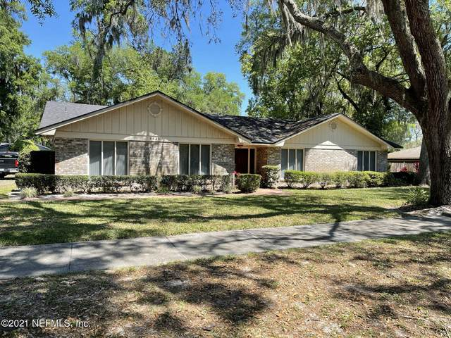 9425 Beauclerc Oaks Dr, Jacksonville, FL 32257 (MLS #1103155) :: The Newcomer Group