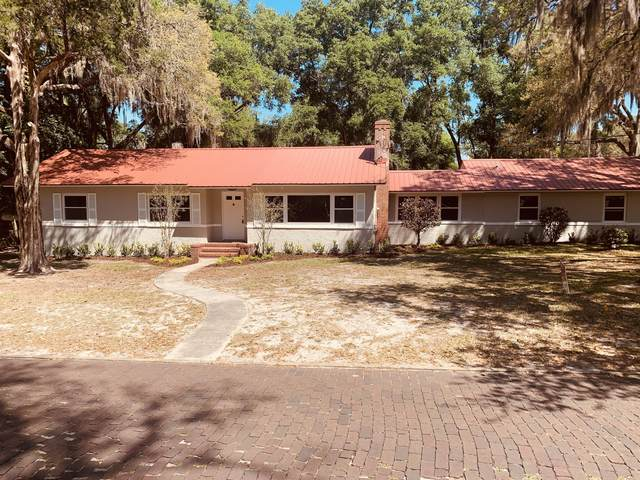 2202 Campbell St, Palatka, FL 32177 (MLS #1103251) :: The Every Corner Team