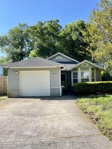 1294 Munson Cove Dr, Jacksonville, FL 32233 (MLS #1103453) :: The Coastal Home Group