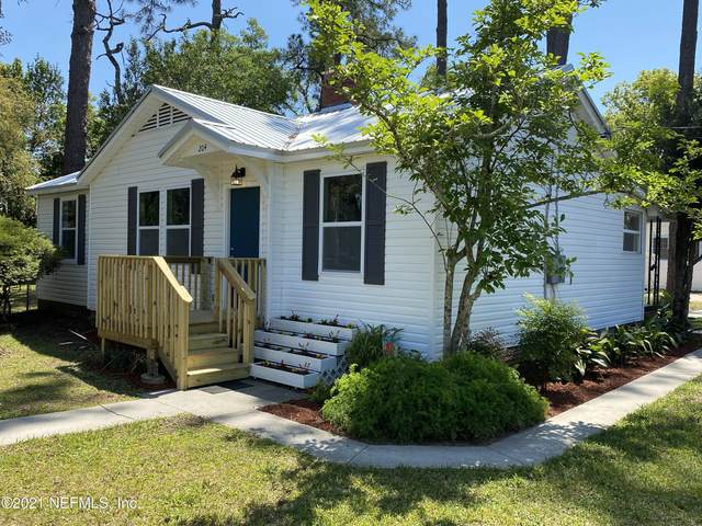 204 Lawton Ave, Jacksonville, FL 32208 (MLS #1103587) :: The Coastal Home Group