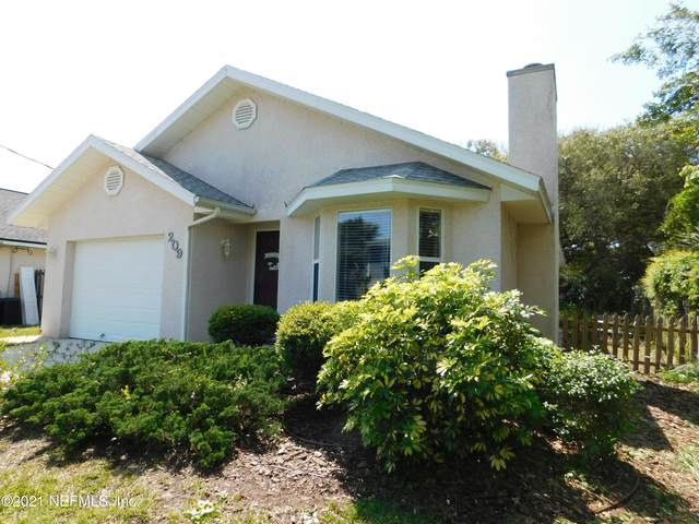209 C St, St Augustine, FL 32080 (MLS #1103903) :: Berkshire Hathaway HomeServices Chaplin Williams Realty