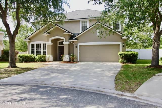 300 Brier Rose Ln, Orange Park, FL 32065 (MLS #1104616) :: CrossView Realty