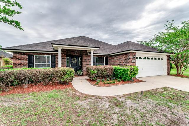 7399 Hawks Cliff Dr, Jacksonville, FL 32222 (MLS #1104816) :: The Hanley Home Team