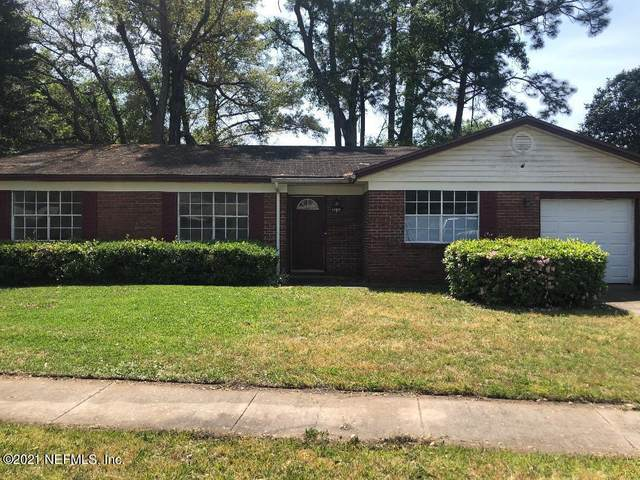 8244 Cassie Rd, Jacksonville, FL 32221 (MLS #1105295) :: The Every Corner Team