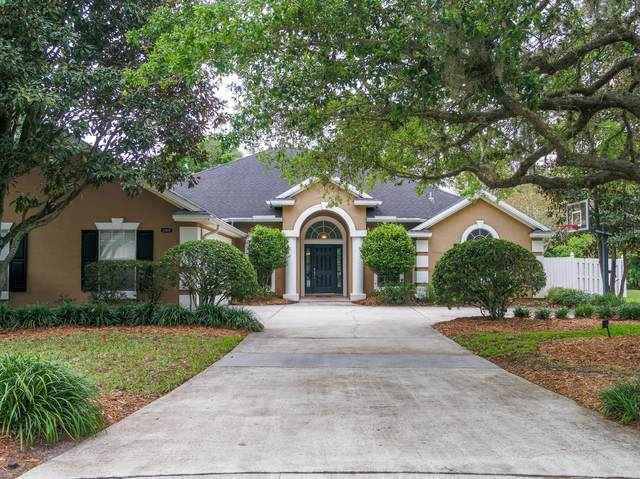 11082 Sentry Oak Ct, Jacksonville, FL 32256 (MLS #1105887) :: The Hanley Home Team