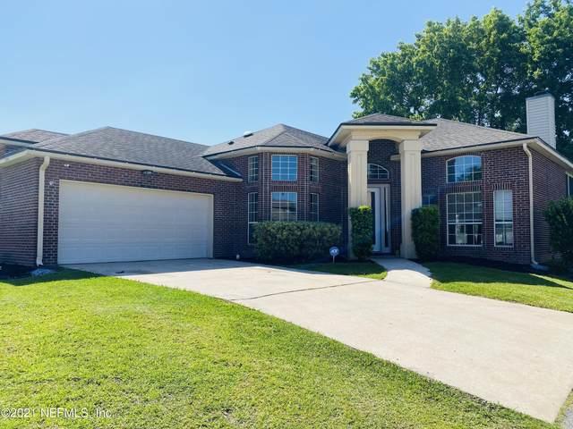 3795 Bedford Dr, Middleburg, FL 32068 (MLS #1106296) :: The Hanley Home Team
