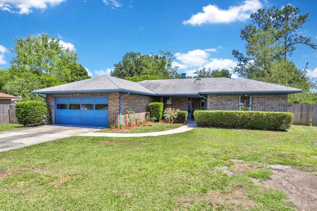 825 Elmwood St, Orange Park, FL 32065 (MLS #1106308) :: The Hanley Home Team