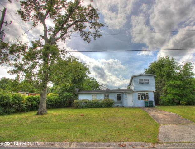4028 Skycrest Dr, Jacksonville, FL 32246 (MLS #1106882) :: The Perfect Place Team