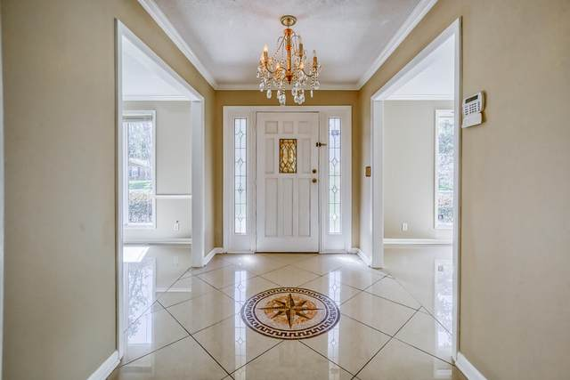 9321 Cypress Shores Ln, Jacksonville, FL 32257 (MLS #1107173) :: EXIT Inspired Real Estate