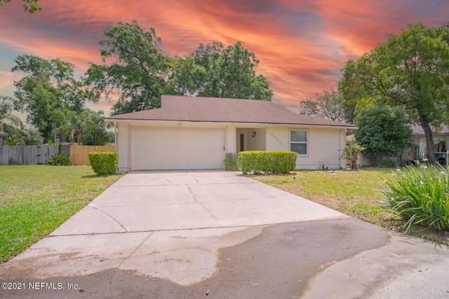 3032 Blue Heron Dr N, Jacksonville, FL 32223 (MLS #1107205) :: The Huffaker Group