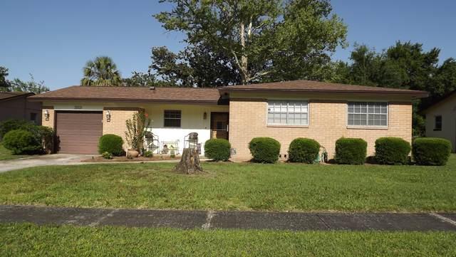 3503 Lenczyk Dr W, Jacksonville, FL 32277 (MLS #1107358) :: The Hanley Home Team