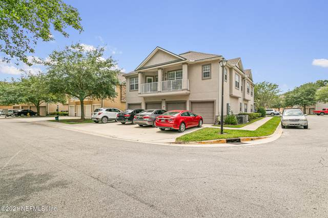 7193 Deerfoot Cir 18-2, Jacksonville, FL 32256 (MLS #1107620) :: EXIT Real Estate Gallery