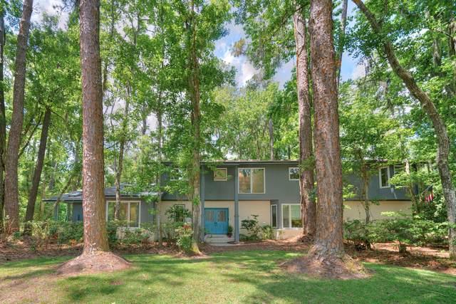 11572 Mandarin Forest Dr, Jacksonville, FL 32223 (MLS #1108557) :: The Hanley Home Team