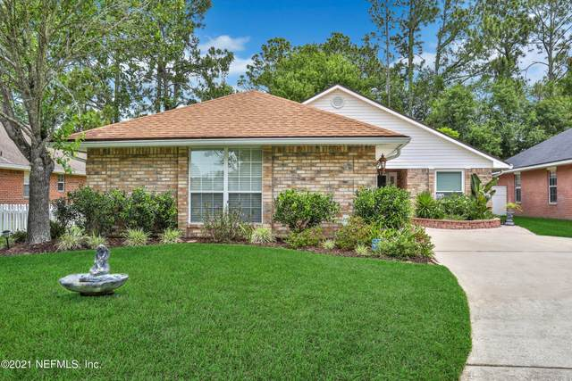 7493 Cliff Cottage Dr, Jacksonville, FL 32244 (MLS #1109713) :: The Hanley Home Team