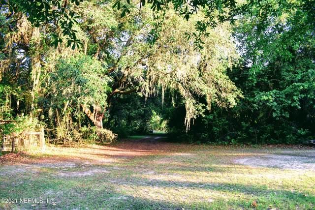 226 Thompson Ave, Interlachen, FL 32148 (MLS #1109715) :: The Hanley Home Team