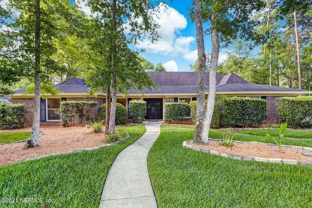 11528 Sedgemoore Dr N, Jacksonville, FL 32223 (MLS #1109858) :: The Volen Group, Keller Williams Luxury International
