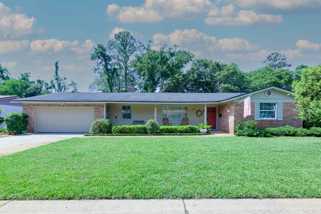 8714 Burkhall St, Jacksonville, FL 32211 (MLS #1110010) :: The Hanley Home Team