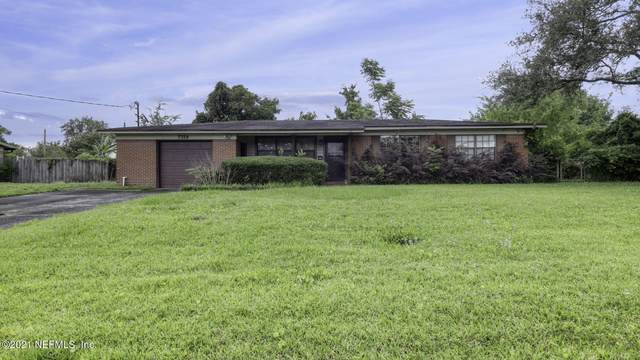 7359 Pineville Dr, Jacksonville, FL 32244 (MLS #1110121) :: Bridge City Real Estate Co.