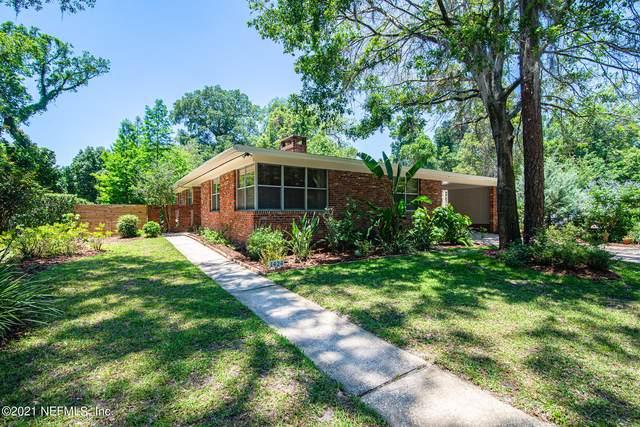 1424 Halliday Ln N, Jacksonville, FL 32207 (MLS #1112741) :: Bridge City Real Estate Co.