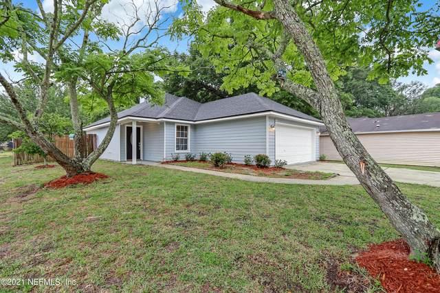 11186 Mikris Dr S, Jacksonville, FL 32225 (MLS #1112827) :: The Hanley Home Team