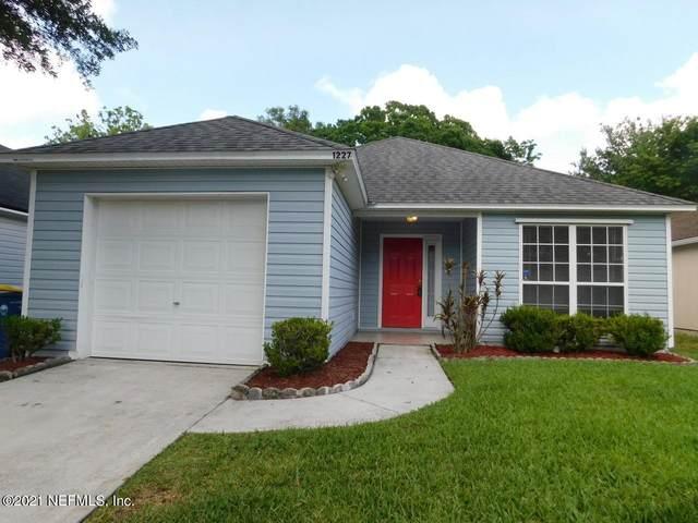 1227 Brookwood Bluff Rd E, Jacksonville, FL 32225 (MLS #1113189) :: Military Realty