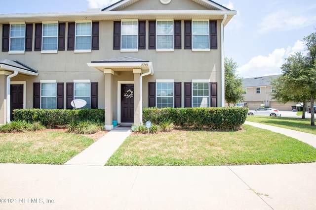 2743 Hollybrook Ln, Orange Park, FL 32073 (MLS #1114808) :: The Hanley Home Team