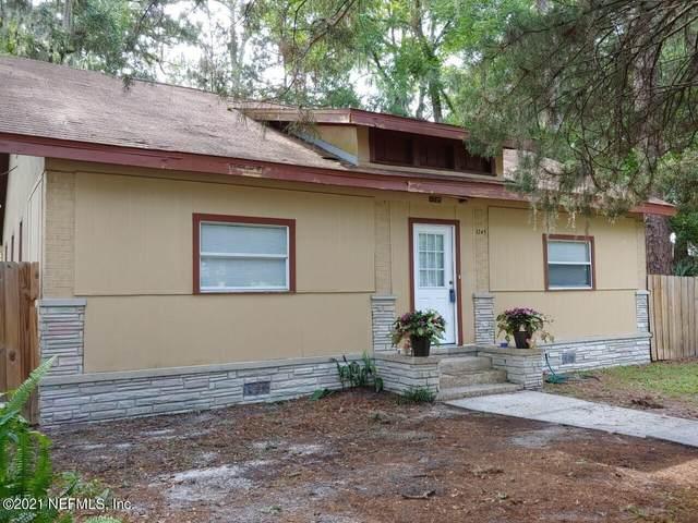 1745 Smith St, Orange Park, FL 32073 (MLS #1115930) :: The Huffaker Group